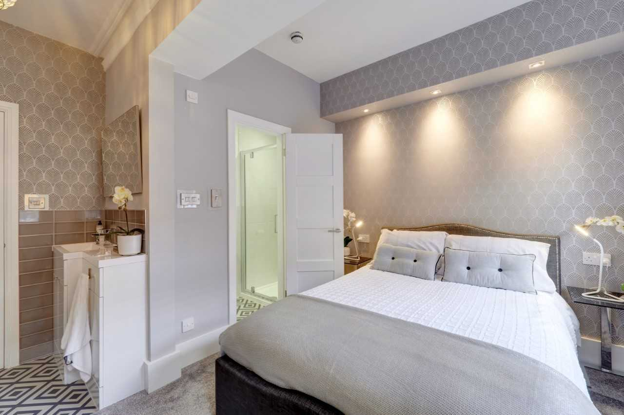 Double bed at Mulberry House Apartments
