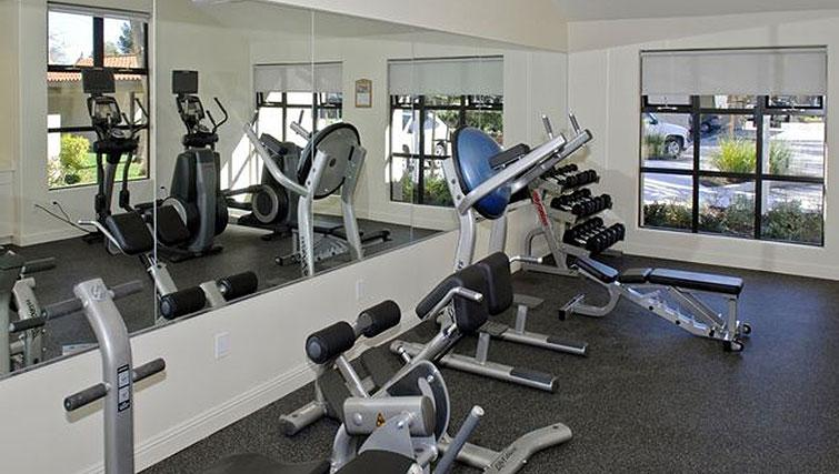 Fitness centre at Avalon Mountain View Apartments