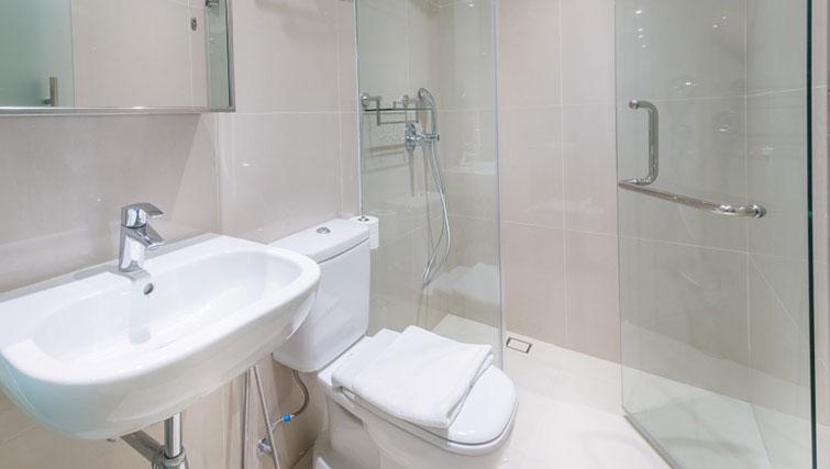 Toilet at the Heritage South Bridge Apartments, Singapore