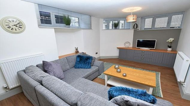 Living area at Oakfield Place Apartment
