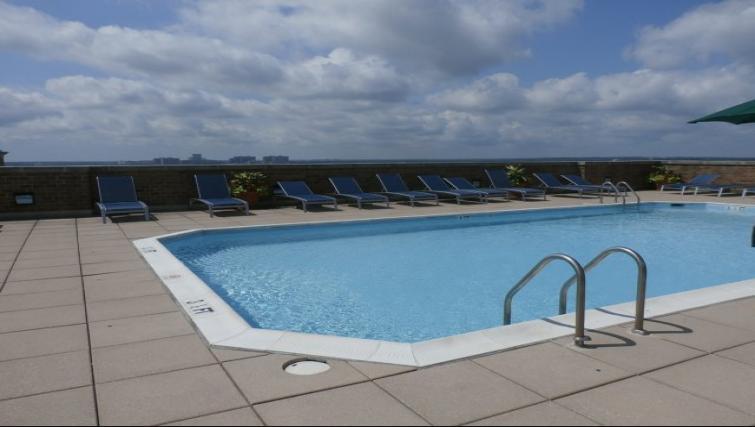 Pool at Meridian At Ballston Commons Apartments