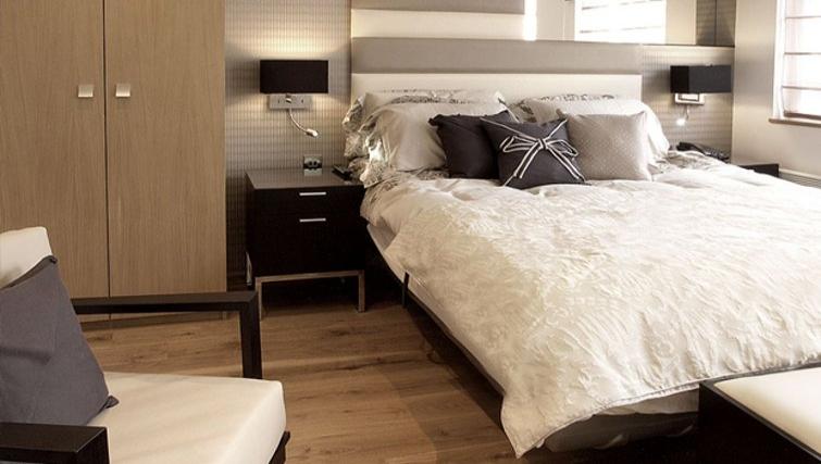 Delightful bedroom in Space Apartments