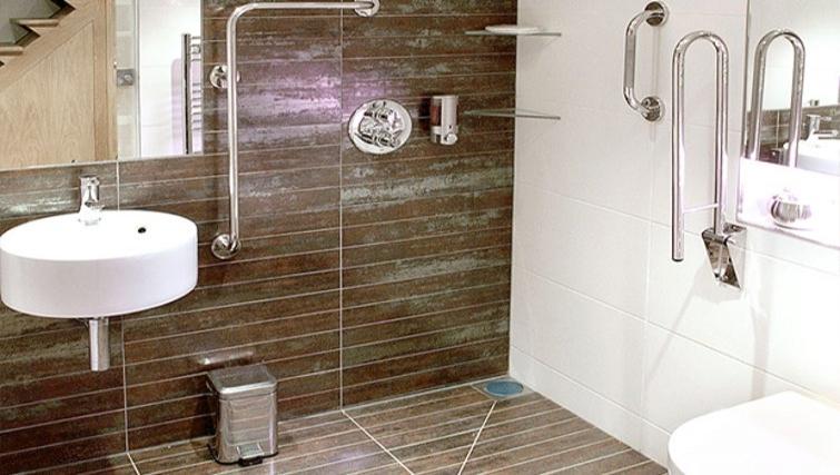 Sleek bathroom in Space Apartments