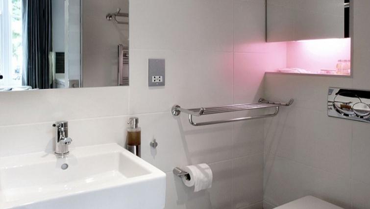 Modern bathroom in Space Apartments