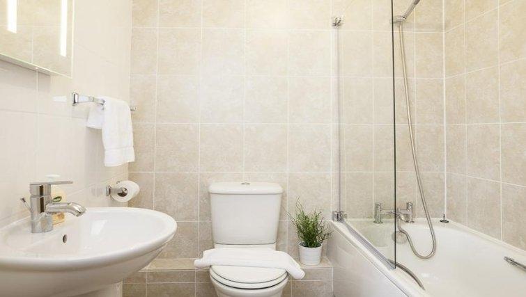 Bathroom in The Cheltenham Plaza Apartments