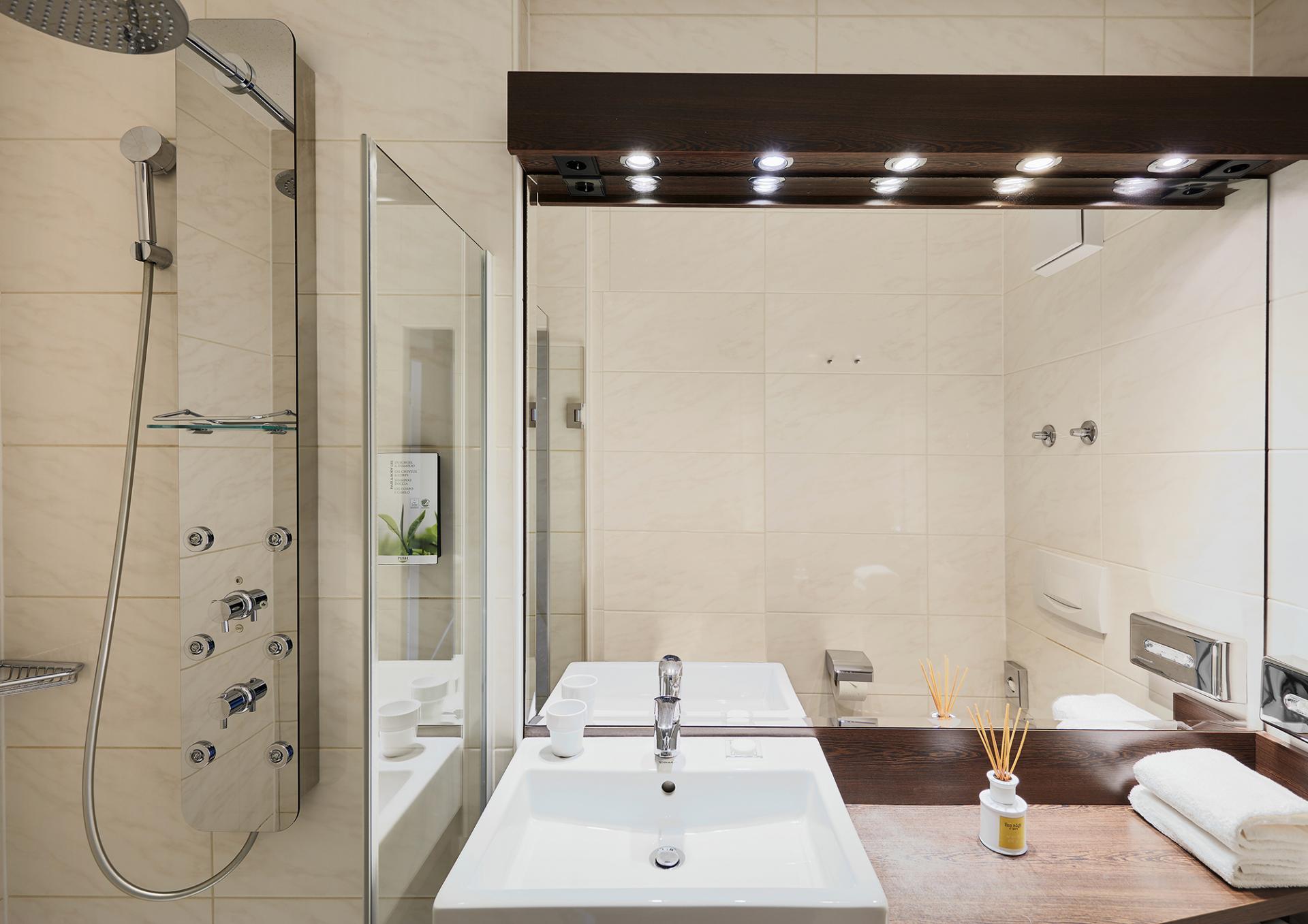 Bathroom at Living Hotel Deutschen Museum Apartments, Haidhausen, Munich