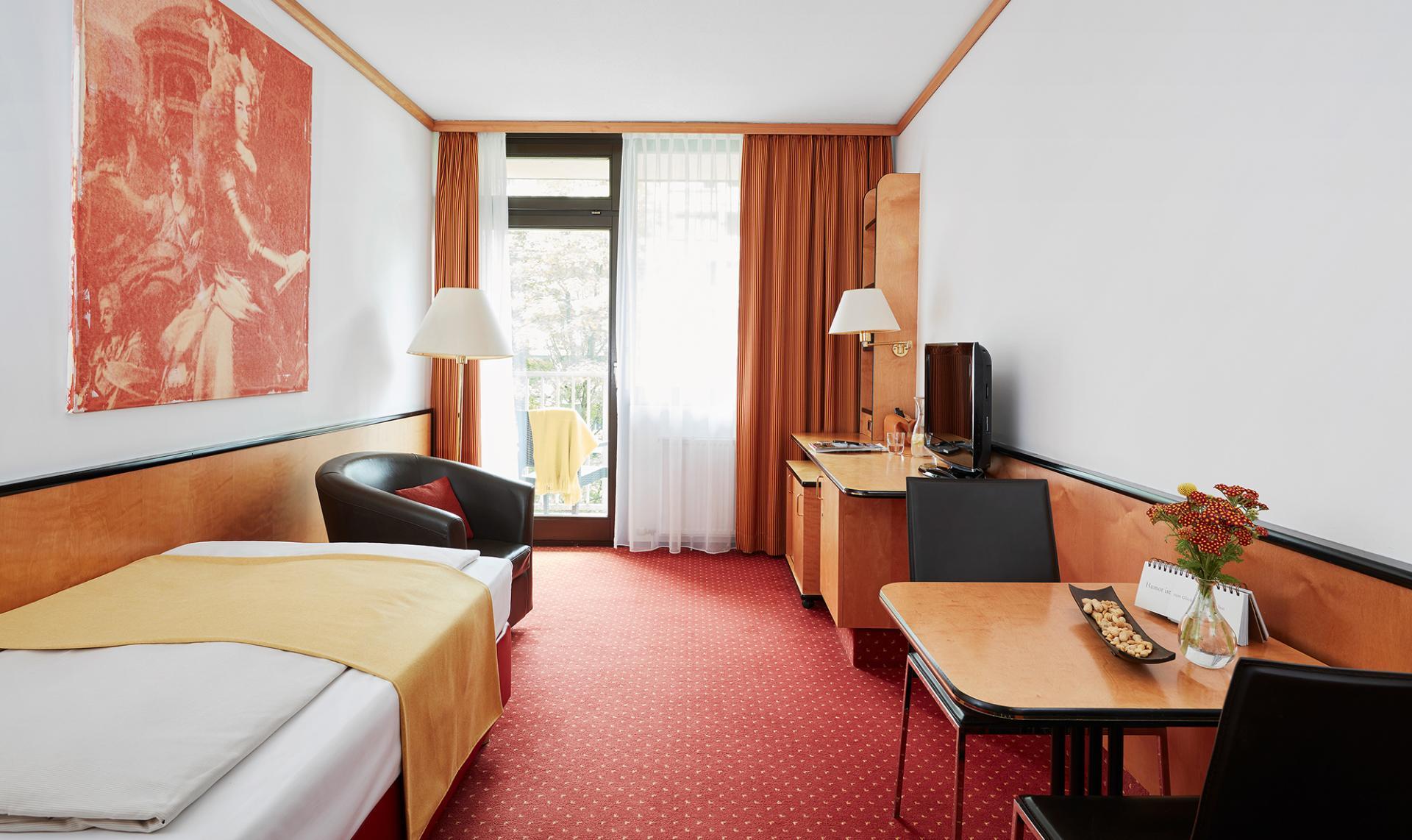 Dining area at Living Hotel Deutschen Museum Apartments, Haidhausen, Munich