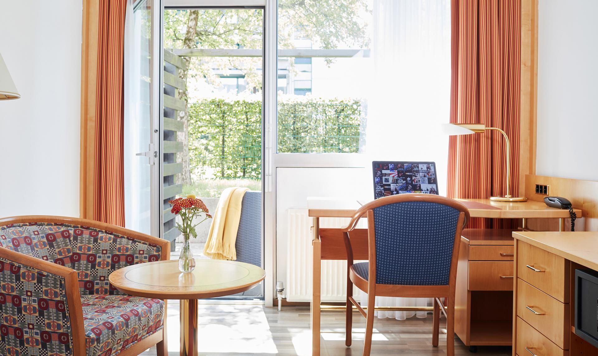 Bright room at Living Hotel Deutschen Museum Apartments, Haidhausen, Munich
