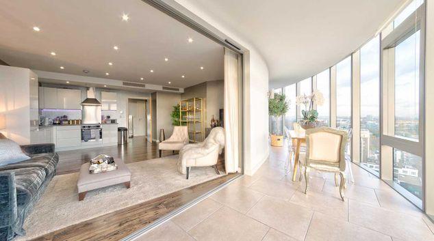 Lounge at Kew Eye Apartments