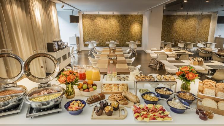 Breakfast cafe at Fraser Place Melbourne