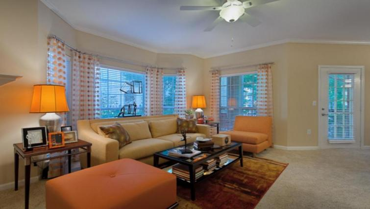 Lounge at the Camden Phipps Apartments