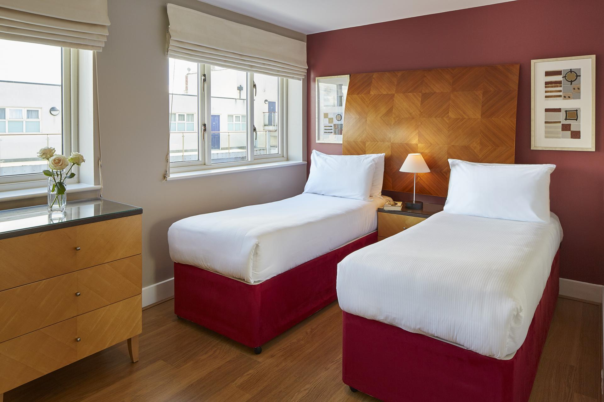 Twin beds at Limehouse Apartments, Limehouse, London
