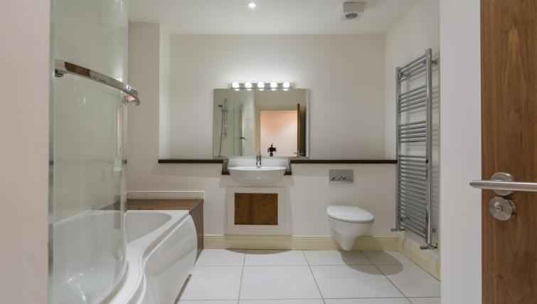 1 Fitzrovia Serviced Apartments - Belfast - SilverDoor