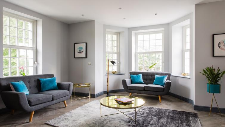 Equinox Place, Farnborough, SilverDoor Apartments