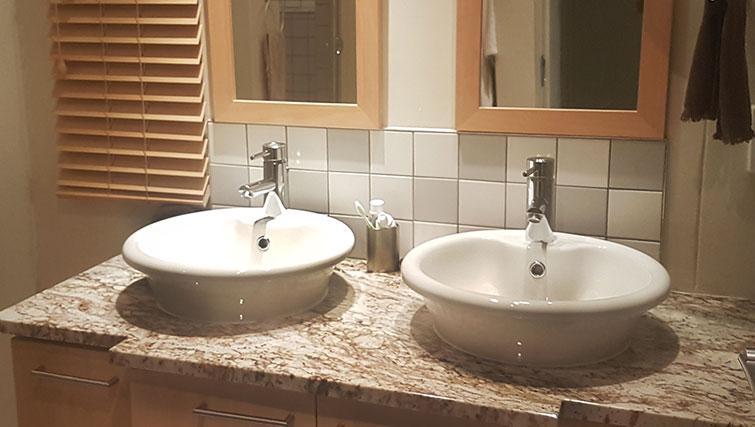 Bathroom at Weom Apartments