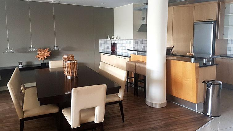 Dining area at Weom Apartments