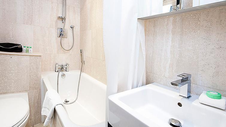 Stunning bathroom at 20 Hertford Street Apartments