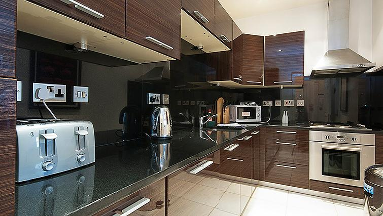 Equipped kitchen at 20 Hertford Street Apartments