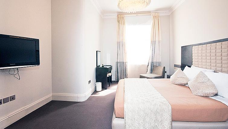 Desirable bedroom at 20 Hertford Street Apartments