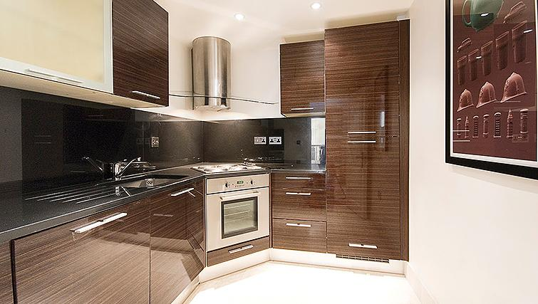 Fully equipped kitchen at 20 Hertford Street Apartments