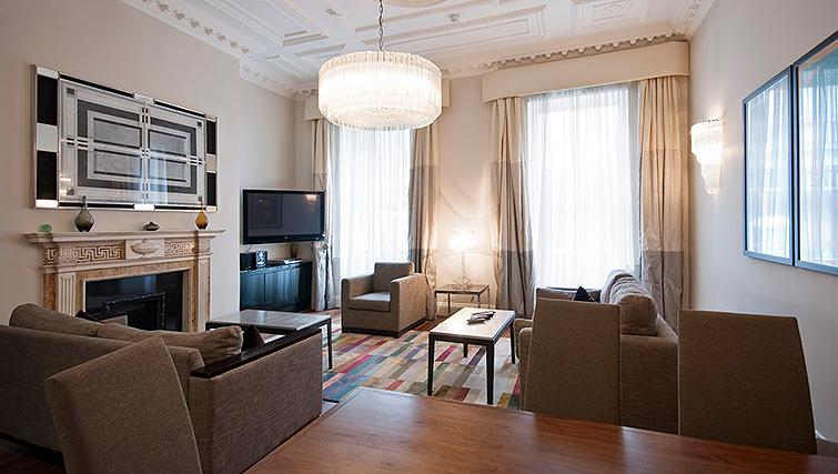 Living area at 20 Hertford Street Apartments