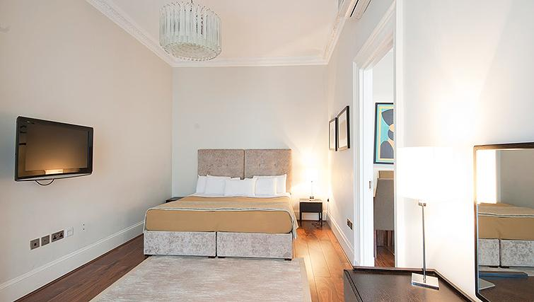 Light bedroom at 20 Hertford Street Apartments