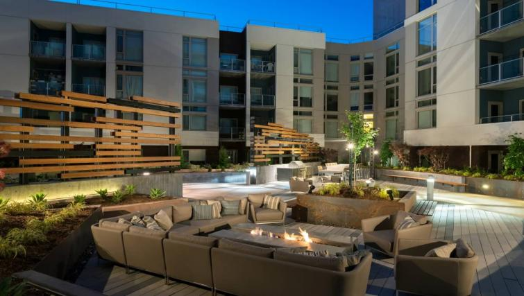 Outdoor seating area at the Channel Mission Bay Apartment