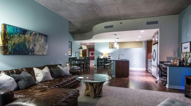 Lounge at the Spire Condo