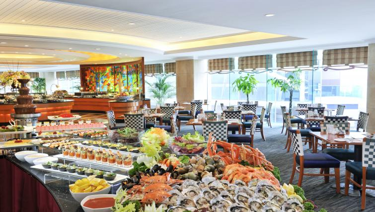 Restaurant at Harbour Plaza North Point Apartments