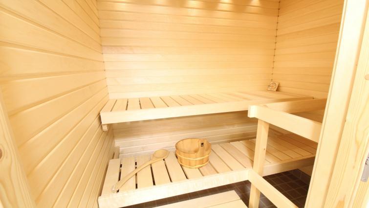 Sauna at the Pakkalanrinne Apartment