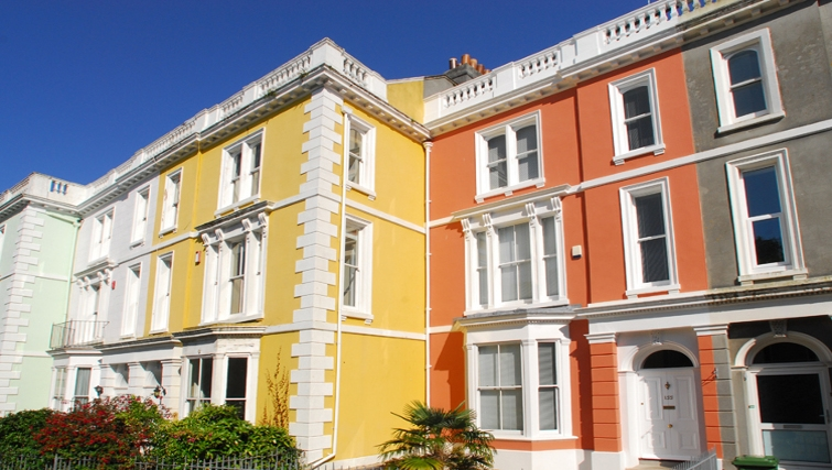 Colourful exterior in Durnford House Apartment