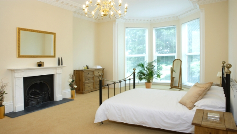 Large bedroom in Osborne House