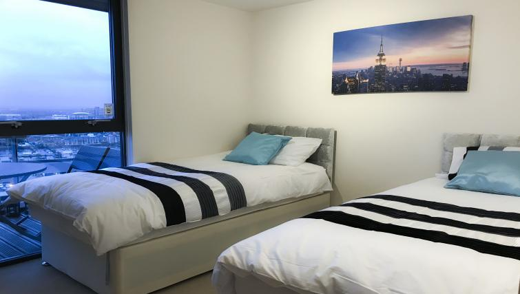 Twin beds at IncityNow Media City Penthouse