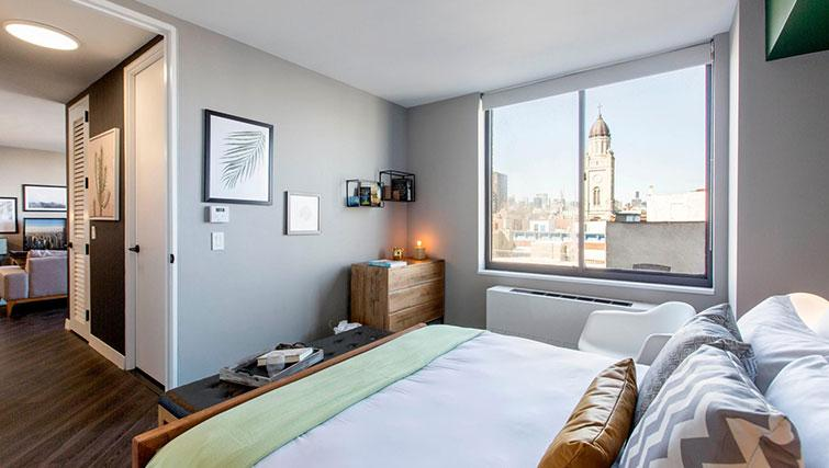 Double bed at East Houston Street 250