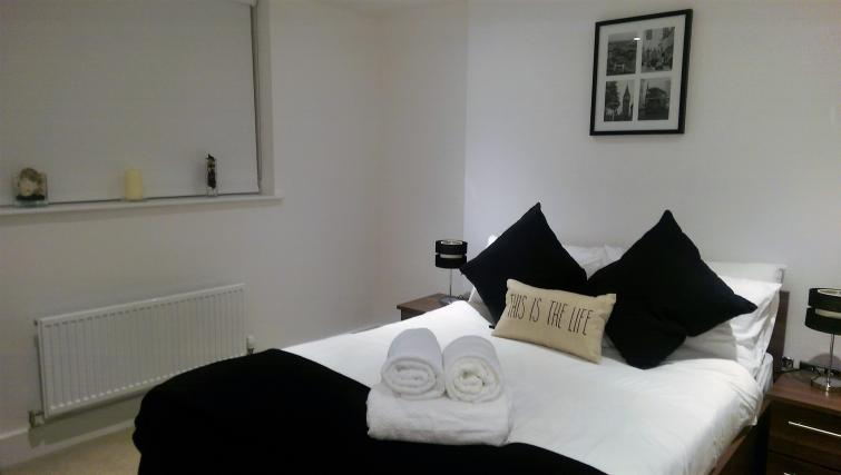 Bedroom at King's Cross Apartment