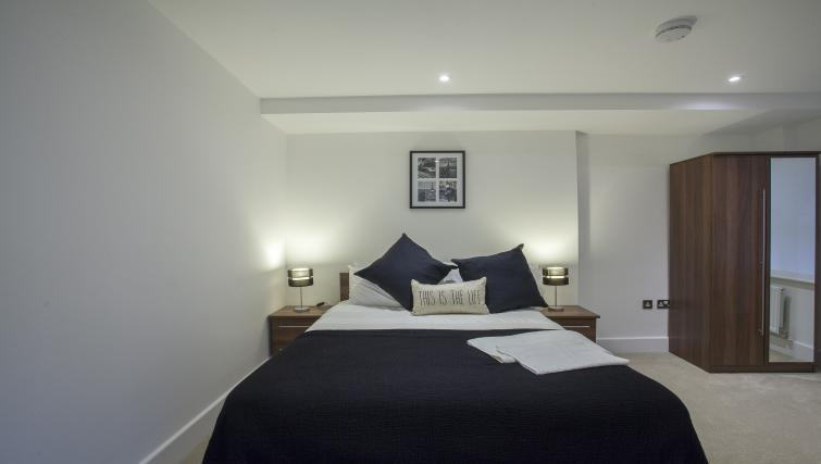Double bed at King's Cross Apartment