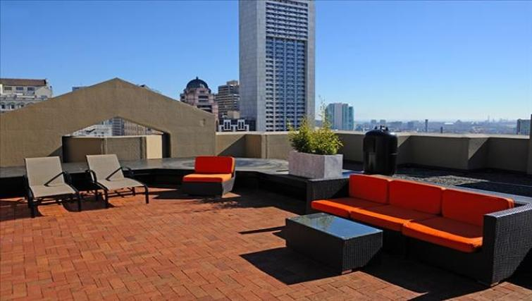 Terrace at the Geary Courtyard Apartments
