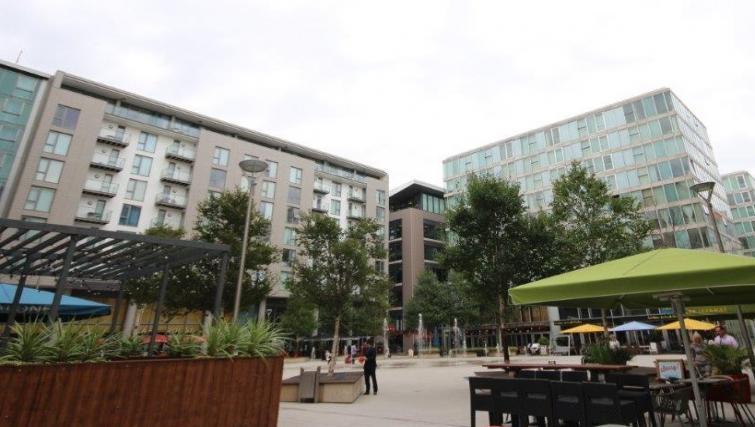 Exterior of Cotels The Hub Apartments