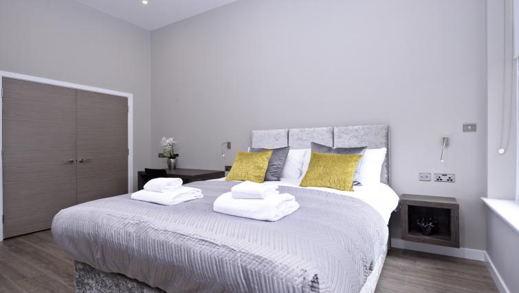 Bed at the Nelson Mandela Place Apartments