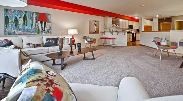 Living room at the AMLI 535 Apartments