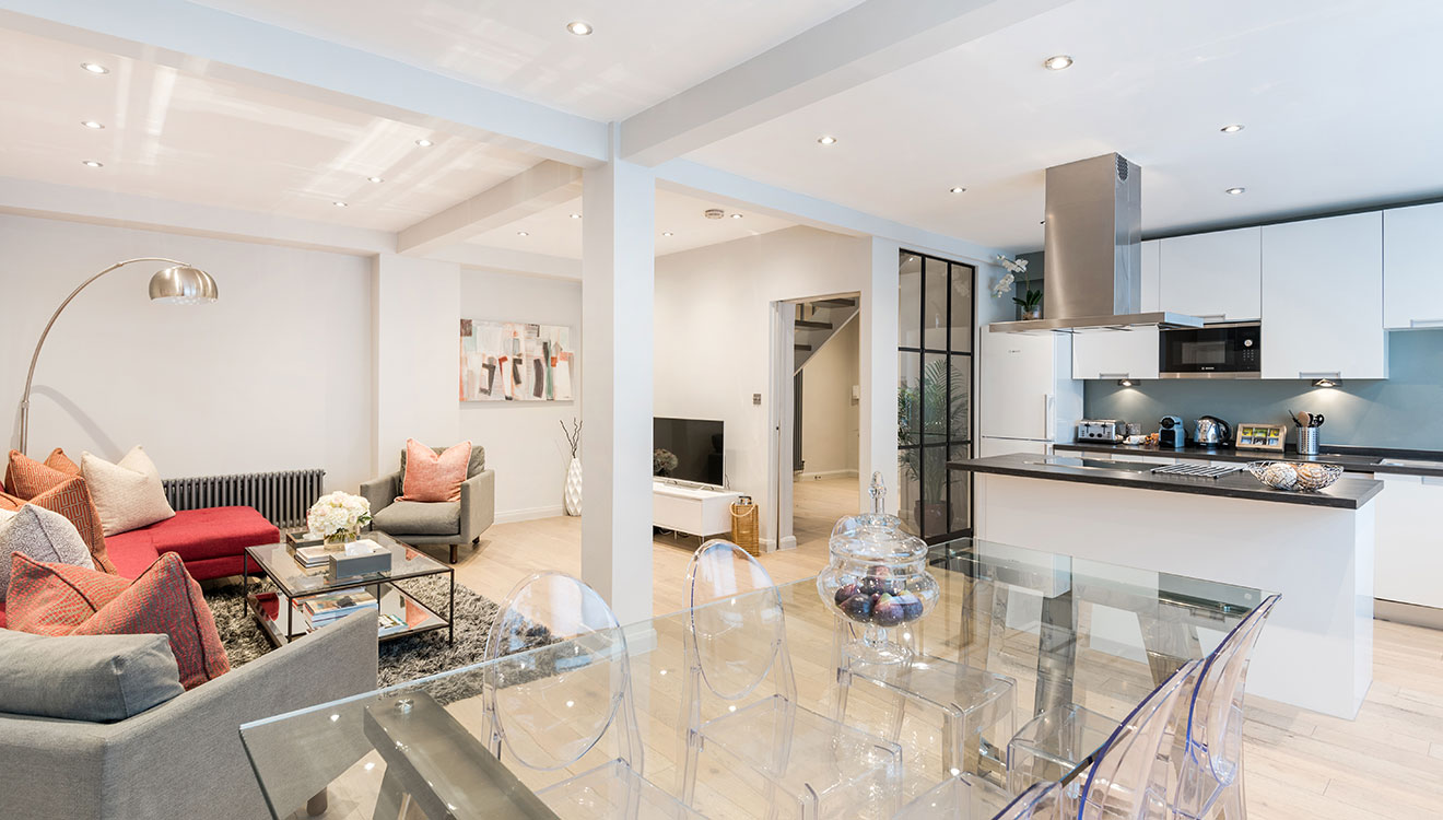 Large open-plan living at Hyde Park Gate Apartments