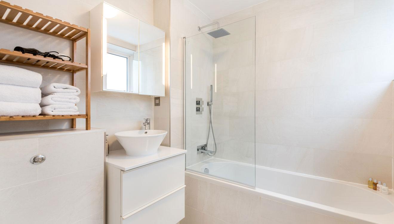 Bathroom at Hyde Park Gate Apartments