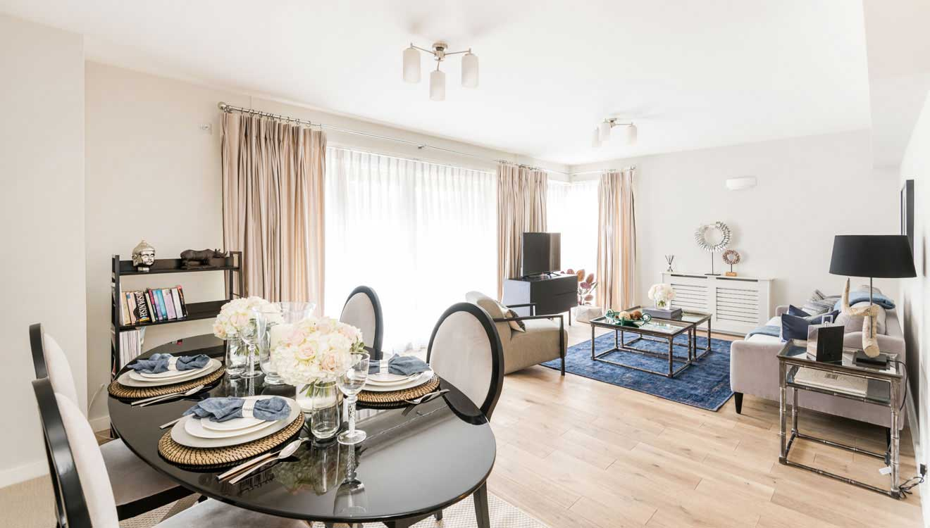 Dining area at Hyde Park Gate Apartments