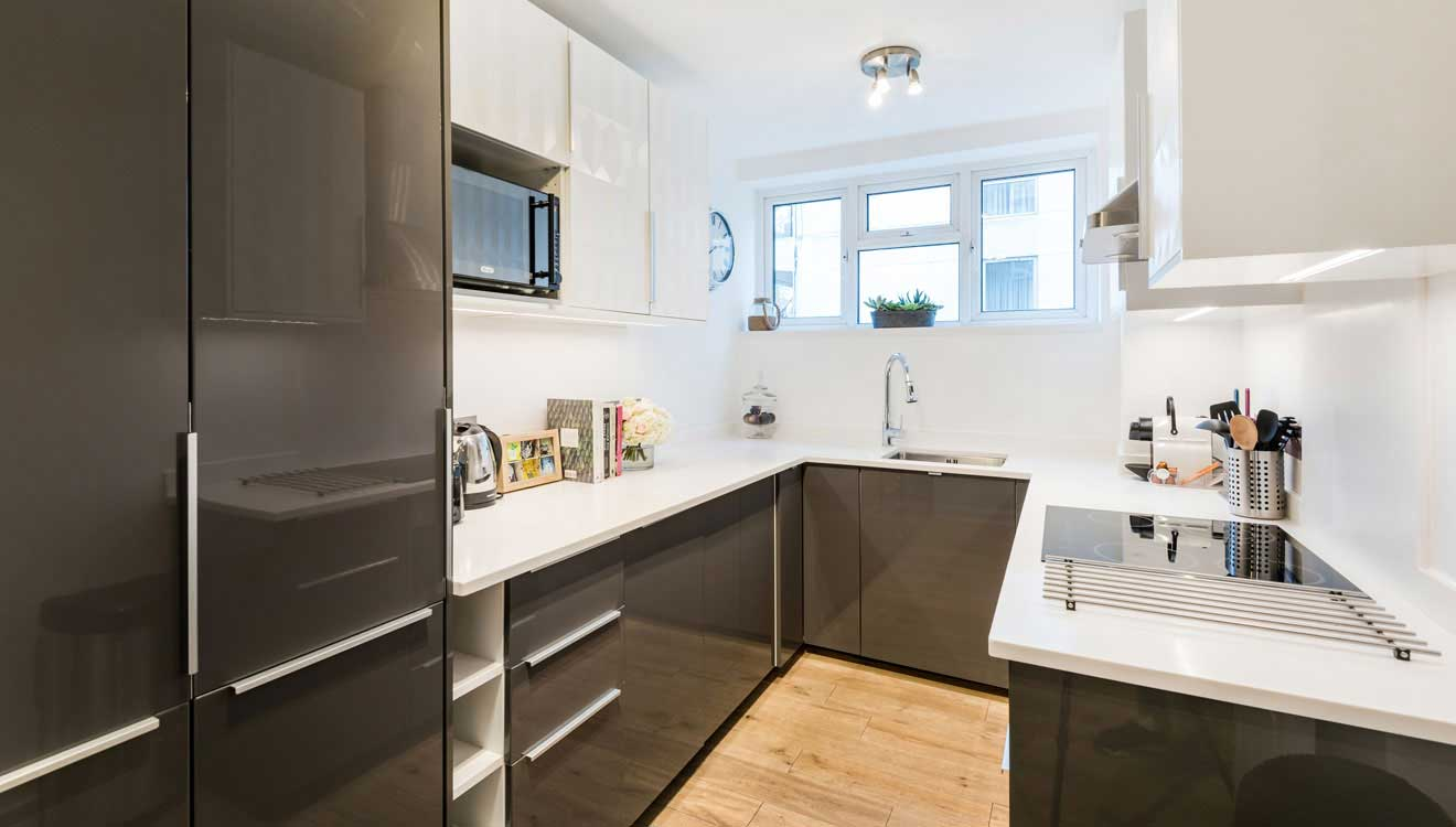 Equipped kitchen at Hyde Park Gate Apartments