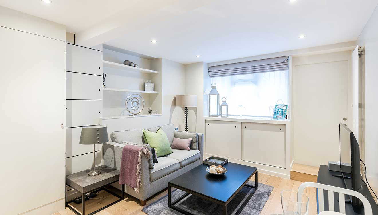 Modern living area at Hyde Park Gate Apartments