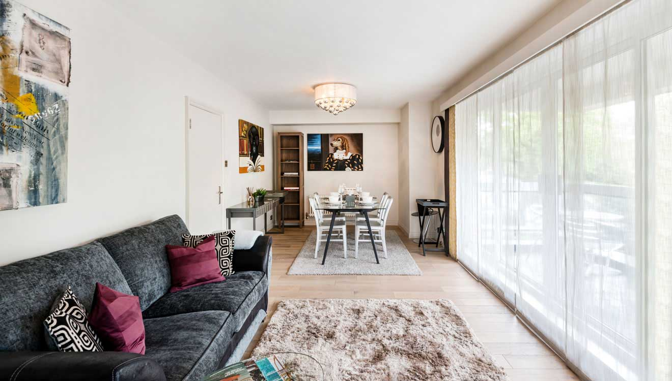 Living/dining at Hyde Park Gate Apartments