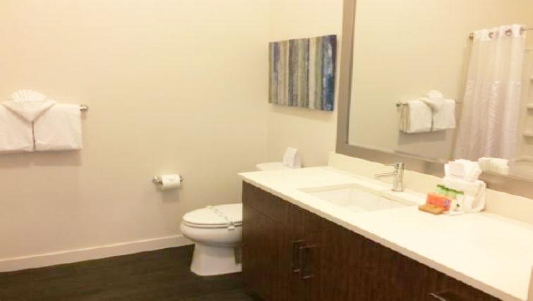Bathroom at AMLI SLU Apartments