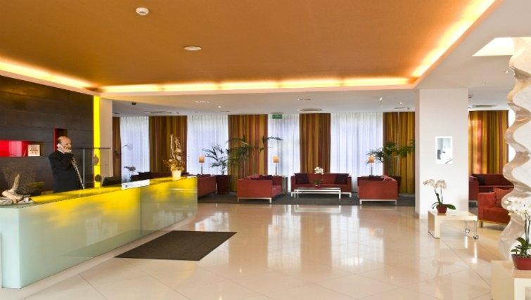 Contemporary lobby in Mamaison Residence Diana