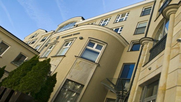Inviting exterior at Mamaison Residence Diana