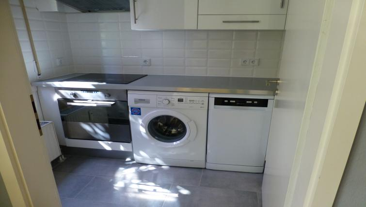 Laundry facilities at Westendplatz Apartment